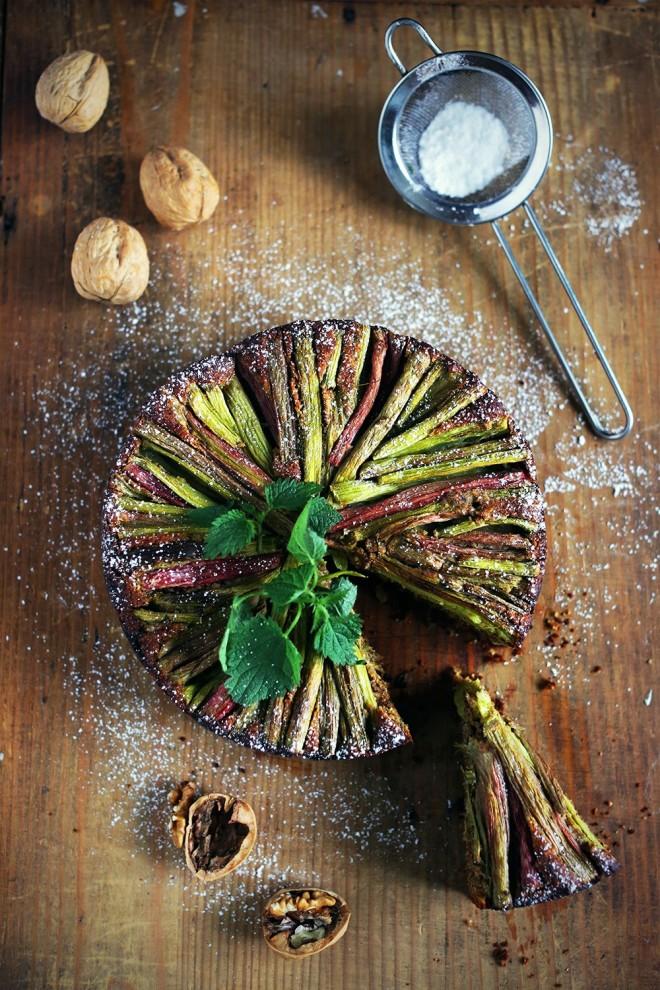 Rabarbarina torta brez glutena in slabe vesti