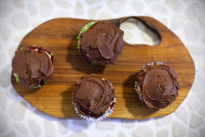 Mafini z malinami in čokoladnim premazom