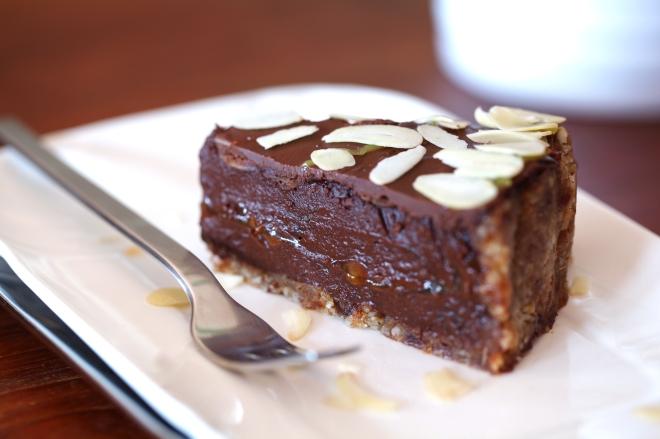Presna čokoladna torta za materinski dan