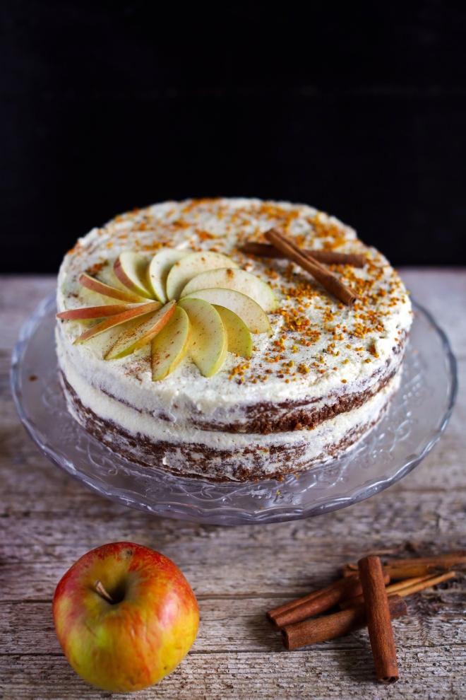 Groba jabolčna torta