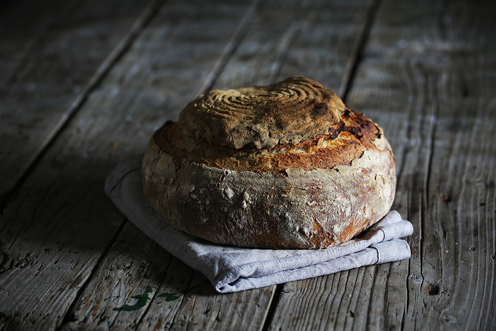 Tretji dan je od mrtvih vstal – kruh in droži