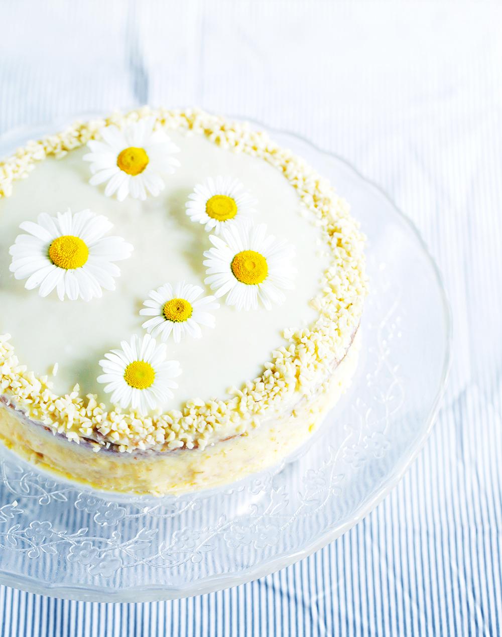 Marjetica, bela torta z jajčno kremo